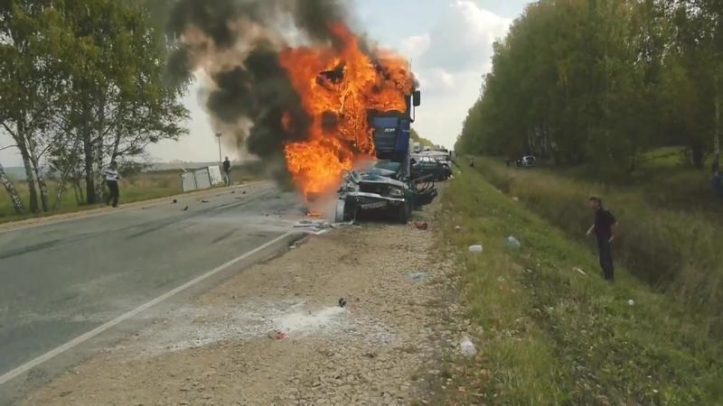 ( ВНИМАНИЕ 18 ) 21.09.2014 Последствия ДТП Ижевск - Можга, 9 автомобилей. (осторожно мат)