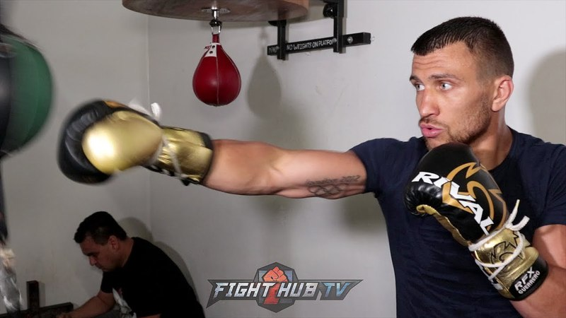 VASYL LOMACHENKO SHOWS CRAZY ACCURACY W/COMBINATIONS ON DOUBLE END BAG FOR JORGE LINARES