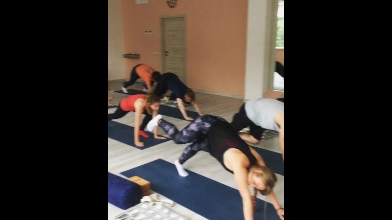 Утренняя йога с Екатериной Мишагиной