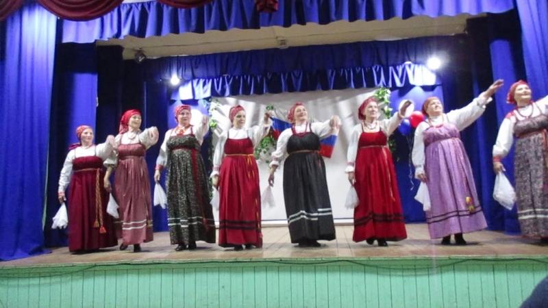 Коллектив Отрада с танцем Топотуха