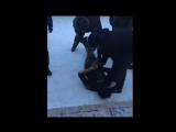 Появилось видео задержания одного из нападавших на школу в Улан-Удэ