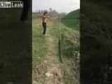 Опасная (VHS Video)