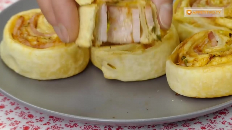Объедение, которое можно приготовить всего за 30 минут! Слойки с ветчиной и сыром!