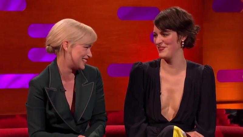 Emilia conta que sua mãe ama a personagem Qi'Ra.