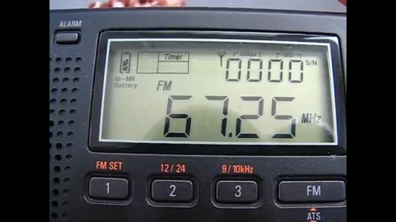 FM_Es__Radio_Yunost_67.25_MHz_Velikiye_Luki__Russia_2012_05_10
