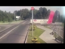 не у нас Фура, груженая водкой, на полной скорости влетела в новую стелу Новокузнецк
