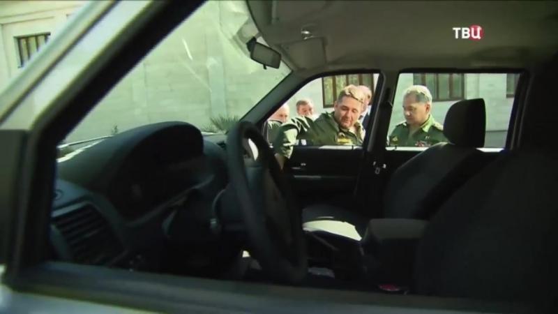 Генерал оторвал ручку УАЗа при демонстрации Владимиру Путину