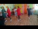 танец мамочек