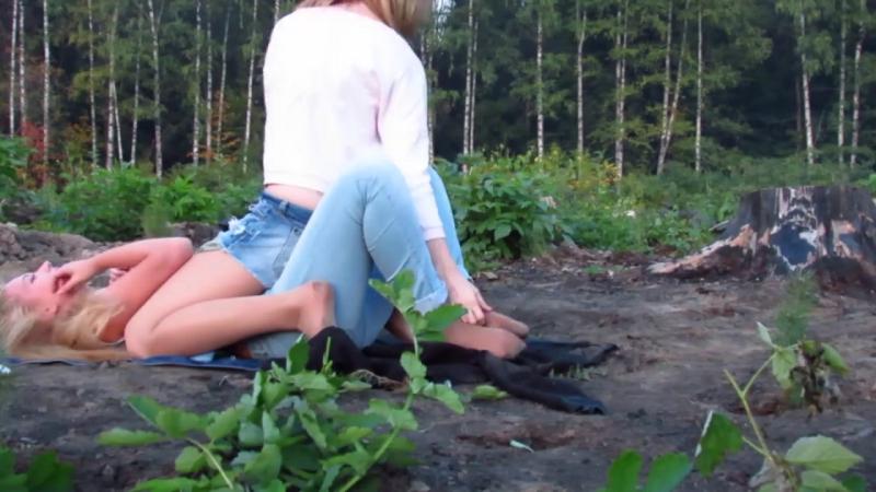 Видео трахнул в лесу линками