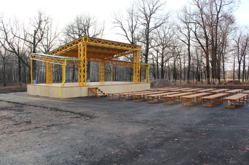 Главное, вовремя: летняя сцена появилась в чувашском Канаше в конце ноября | Изображение 1