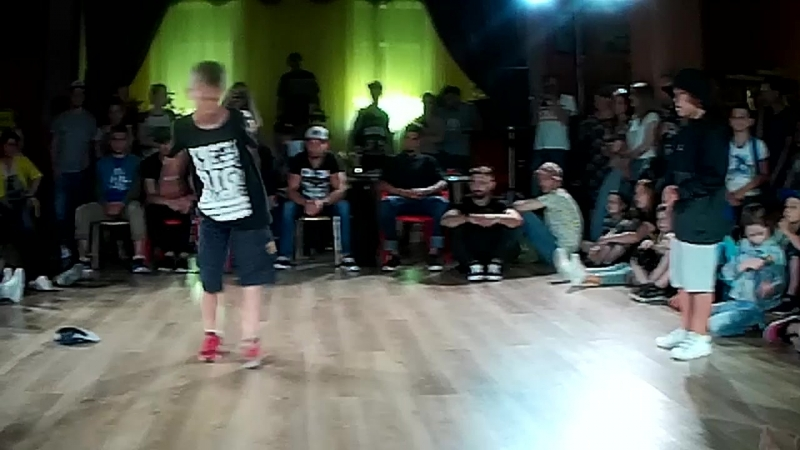 1-4 Hip-Hop Kids Трубицын Федя vs Айфон Патрон