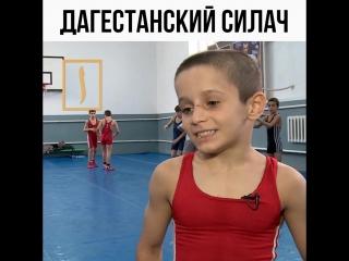 Дагестанский силач