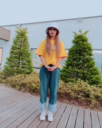 "(G)I-DLE (여자)아이들 on Instagram: ""[소연] 안녕하세요:) 아이들 리더 전소연입니다. 드림캐쳐의 다미 선배님과 우주소녀 유연정 선배님의 지목을 받아 아이스버킷 챌린지에 동참하게 되었습니다. 한국 최초로 루게릭 환우분들을 위한 요양병원이 건립..."