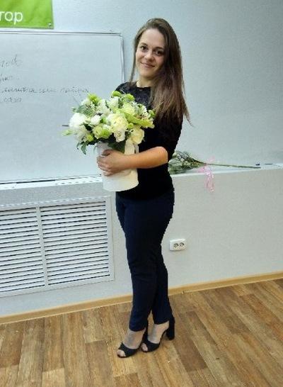 Юля Добровольская