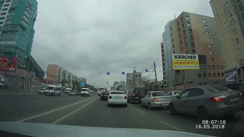 Челябинск. Нарушение ПДД. Встречная полоса и помехи соседям