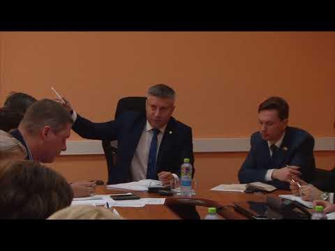 Поручение главы города по уборке мусора у школы-интерната на ул. Воронина, 11