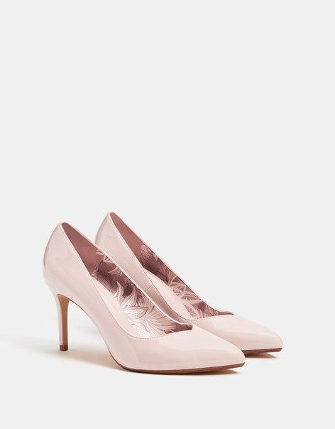Лакированные туфли на каблуке-шпильке