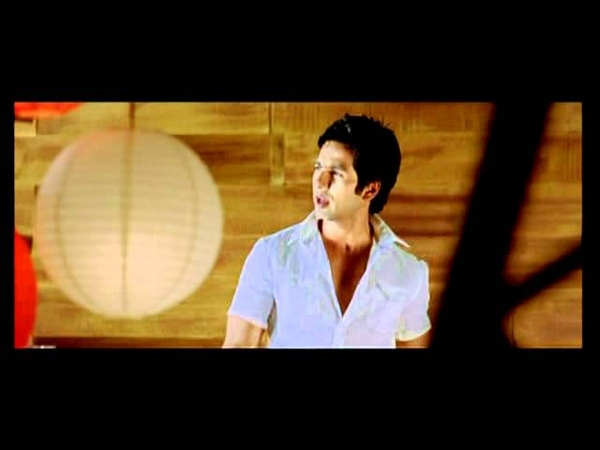Kuch To Bakee Hai Dark Mix Full Song | Milenge Milenge | Kareena Kapoor, Shahid Kapoor