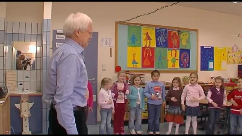 Total Physical Response (TPR) - Teacher Training film no. 8