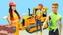 Barbie ve Sevcan oyun videoları. Barbie inşaatçı oluyor