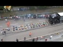 Сколько нужно радиоуправляемых машин,чтобы сдвинуть с места 14-ти тонный грузовик?)