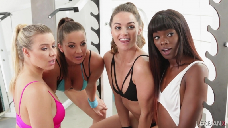 sportsmenki-lesbiyanki-smotret-onlayn-video-striptiz