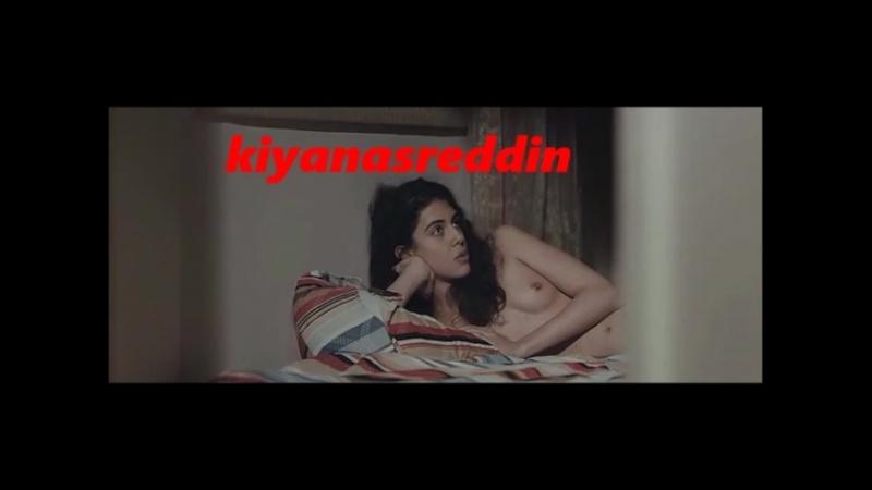 Türk filminde - kendi çektiği film - Zeki Demirkubuz hatunu götürmüş - topless
