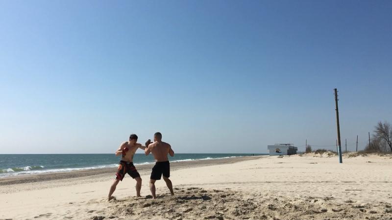 Сегодня провели на море праздничную тренировку с моим близким другом и братом по оружию @attila100186 и открыли сезон на 🌊