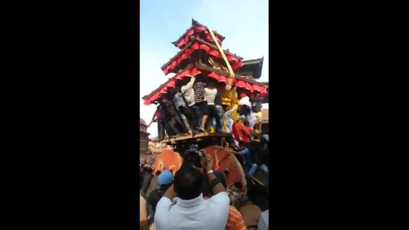 Hasse_ra_haisse_ko_aawaaz_sangai_Bhaktapur_ma_aja_bata_BISKA_suru.mp4