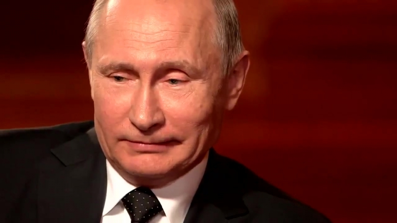 Путин - о 90-х: Много сказок про «бандитский Петербург», но в целом ситуация была боевой. Я у себя на даче ложился спать с помпо
