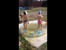 Дети купаются родители моют машины и загорают совмещаем полезное с приятным