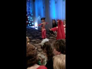 танец Восточных красавиц))