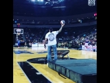 The Undertaker At The Harlem Globetrotters Game! 1