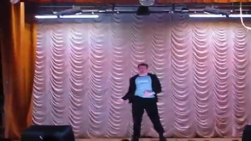 Колян танцует лучше всех mp4