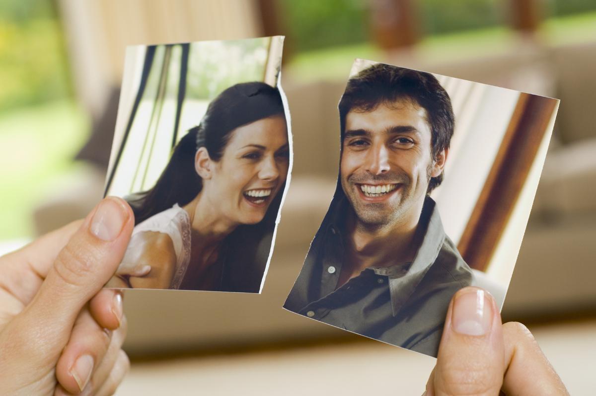 zU8yz  Ek98 - Замечательные способы расторжения брака со всего света