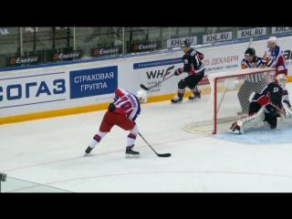 Капризов создает гол для Шумакова