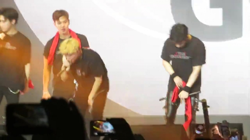 [VK][20.06.18][Fancam] The 2nd World Tour The Connect In Amsterdam (Fallin)