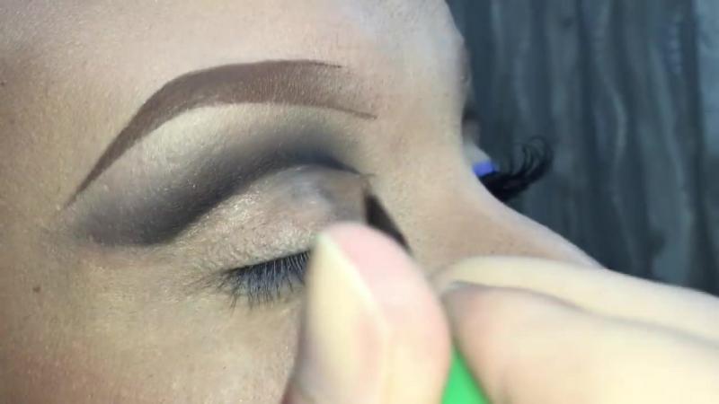 Neve Cosmetics Makeup Tutorial Review ft. Giulia Cova (Sexy Arabic Cut Crease