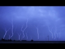Охотник за торнадо запечатлел удар ЧЕТЫРНАДЦАТИ восходящих молний одновременно США, 25 июня 2018.