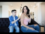 Reagan Foxx (Mommy Needs A MANicure) sex porno