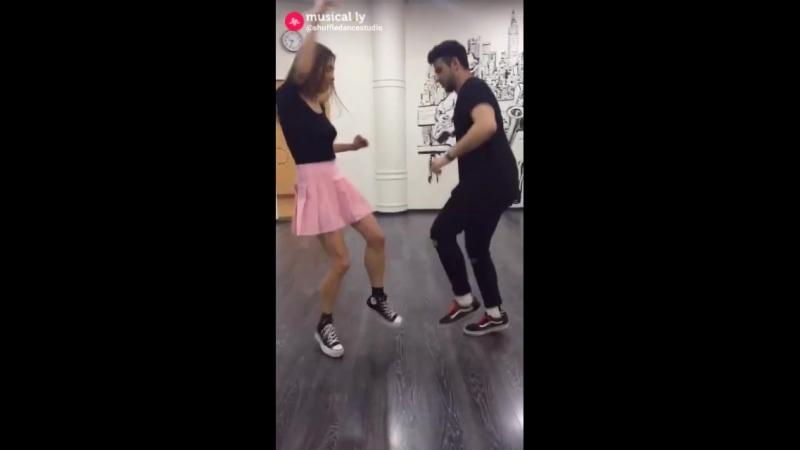 Классно танцуют