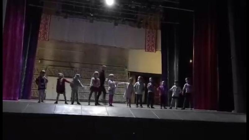 Телепузики репетиция на сцене