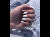Просто белоснежные ногти с жемчужной втиркой 🕊