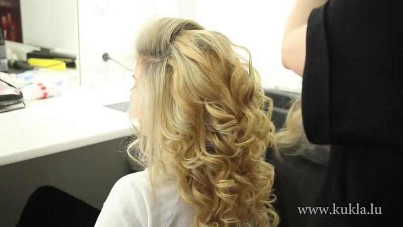 Cвадебная прическа для светлых волос . Греческая коса, низкий пучок и объемные локоны