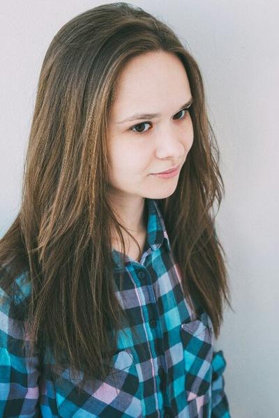 Юлия Нежданова
