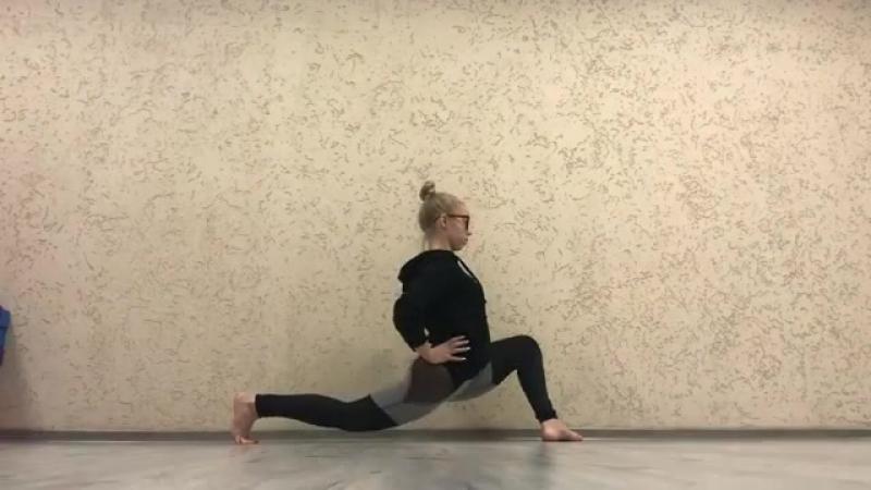Активная растяжка продольного шпагата от тренера Anix Dance Дарьи Мандрик