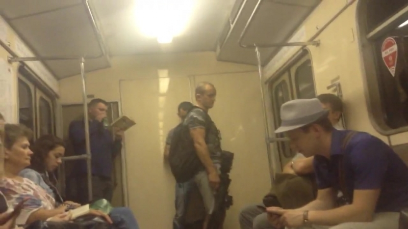 Страйкболист и метро._720p