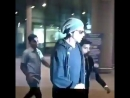 Watch our eternal MancrushMonday SRK when he arrived in Mumbai earlier today