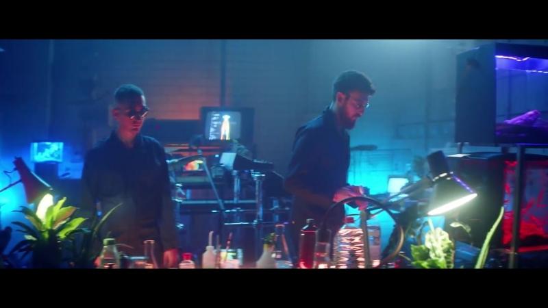 Clean Bandit feat. Demi Lovato- Solo.mp4