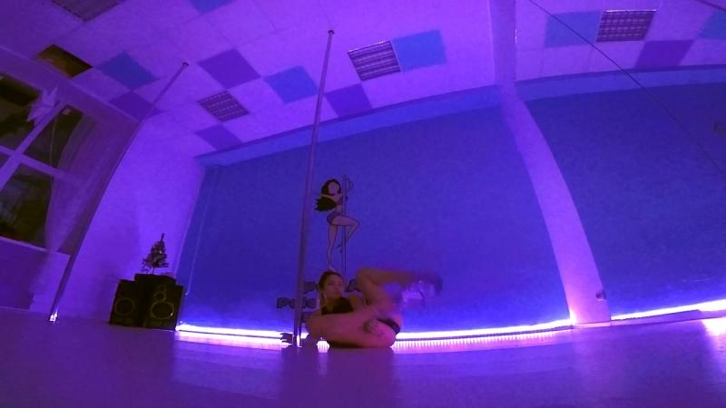 Alena Pona Exotic Pole Dance